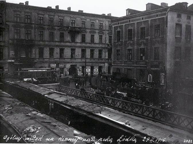 Nowomiejska Str. on the Lodka Rivier, 1914-1918, Lodz, Poland Photo: Michal Daszewski