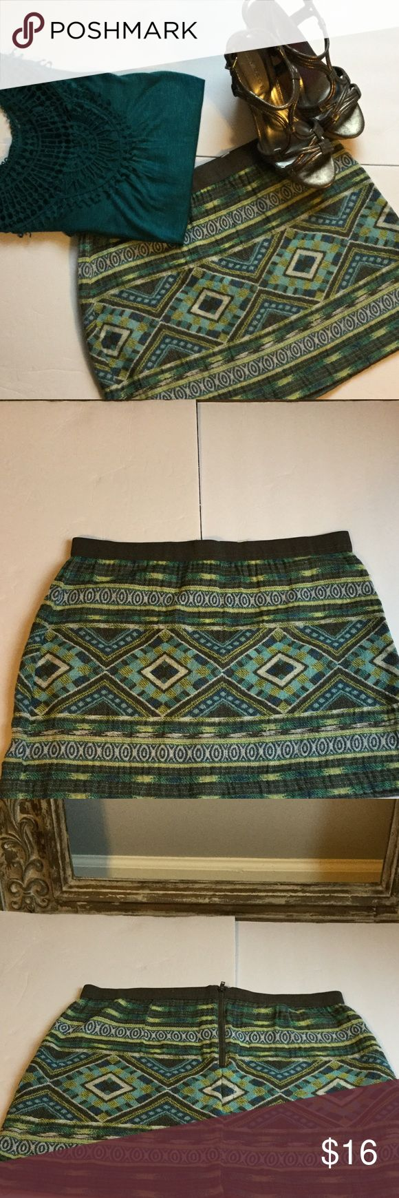 "NEW LISTING American Eagle outfitters Skirt❤️❤️❤️ NEW LISTING American Eagle outfitters Aztec print skirt. The skirt has a zipper in back as shown. The skirt is approx 15"" from top of hem to bottom. The skirt is in good used condition. American Eagle Outfitters Skirts"