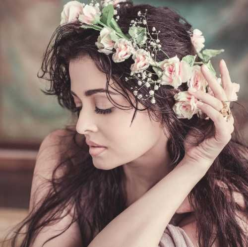 Get Aishwarya Rai Bachchan actress latest events, portfolio, movies, photoshoot pictures on gallery oneindia.