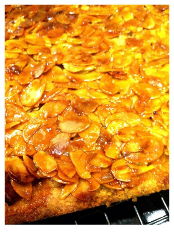 honey almond slice #recipe