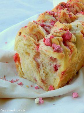 Brioche aux pralines roses   Les casseroles de Lise - note : quantité pralines : 225g (vu sur autres recettes)