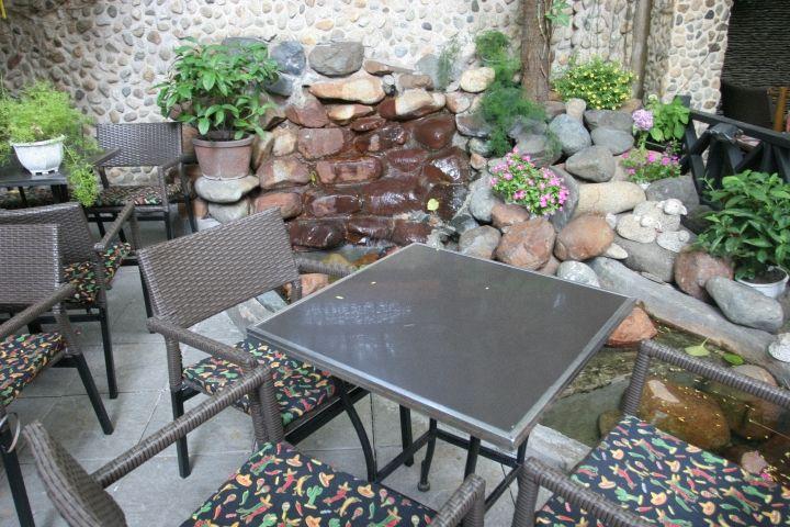 Trời mưa mưa thế này chỉ muốn ngồi nhâm nhi tách cafe một mình thôi... Muốn ghé Thềm Xưa. Có ai đi ko? --------------- http://themxua.vnnavi.com.vn/