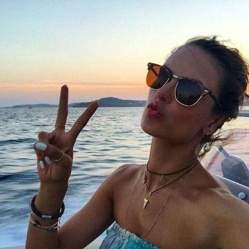 Top Model Alessandra Ambrosio in RayBan RB3016 Clubmaster 4sun.es/... @ray_ban Alessandra Servin #RayBan #clubmasters #gafasdesol #sunnies #shades #sunglasses #oculosdesol #occhialidasole #lunettesdesoleil #models #topmodels
