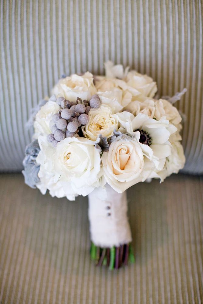 21 Stunning Winter Wedding Bouquets ❤ See more: http://www.weddingforward.com/winter-wedding-bouquets/
