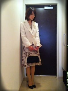 卒業式とは違い花柄の明るいスタイル! 入学式ワンピース スタイル ママ