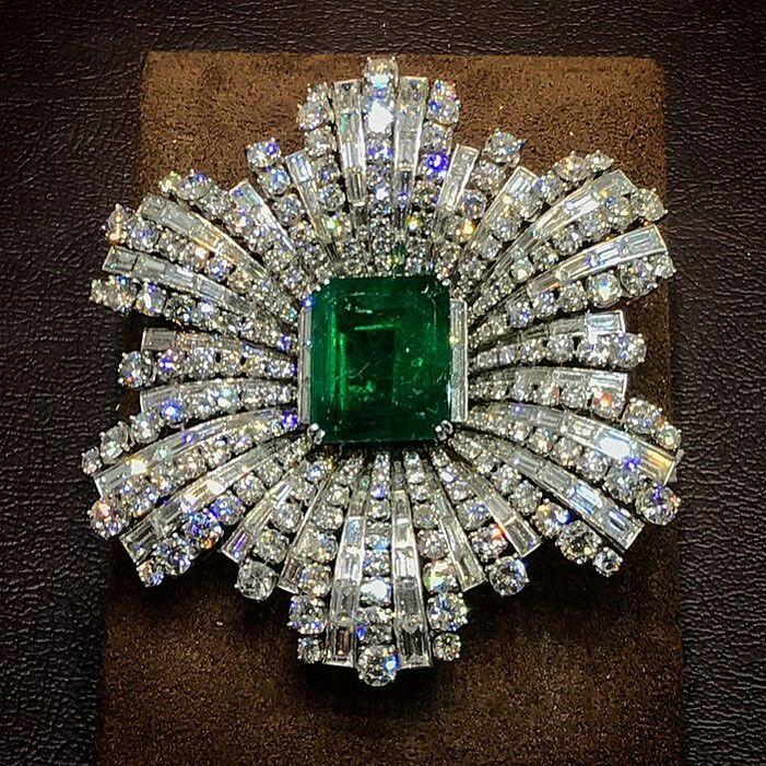 #VintageHarryWinston ✨ From #BijanAndCo #Emerald #Diamonds #VintageJewels #NouveauPauvre