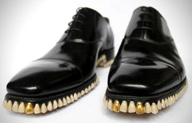 Must see: rare schoenen en aparte schoenen. Lees hier alles over rare en aparte schoenen. Een echte must see als je van schoenen houdt! Ontd...