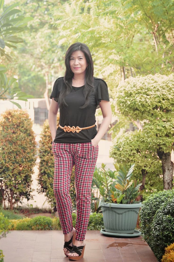 Liza's Corner: Black & Plaid