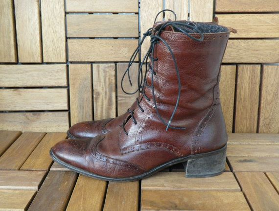 Vintage Woman's Brown Burgundy Leather Lace Up Zip Up Wing Tip Ankle Boots Size EUR 41 US W 9 1/2