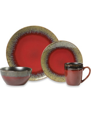 I've always been in love with this dinnerware set