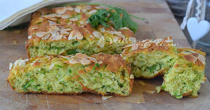Torta di zucchine e mandorle ricetta salata, ottima per un antipasto, aperitivo o secondo piatto sfizioso, ideale anche al posto del pane
