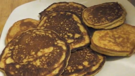 Low carb pumpkin pancakes - Holiday Recipe!