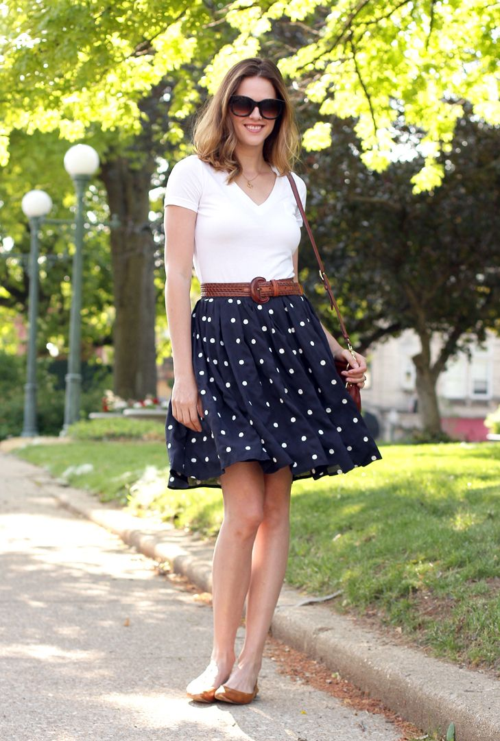 I need to stop pinning Jessica to this board because her legs are a mile long, u…