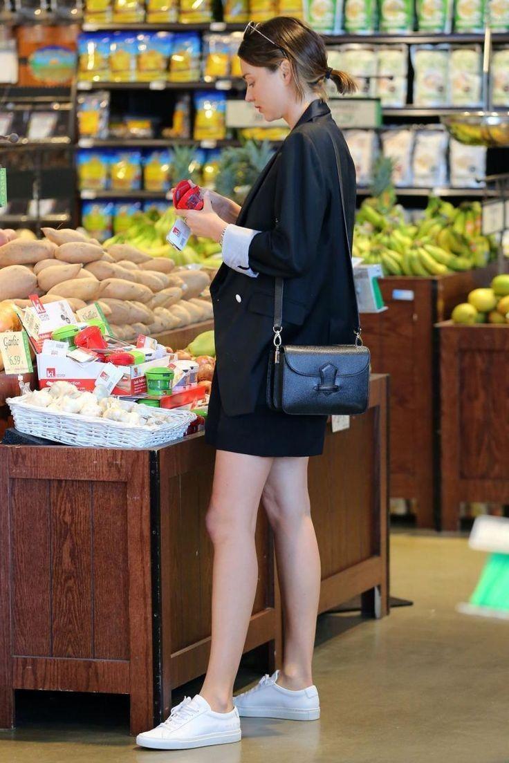 Miranda Kerr.. Reiss Kendra Blazer, Common Projects Original Achilles Sneakers, and Celine Bag..... - Celebrity Fashion Trends