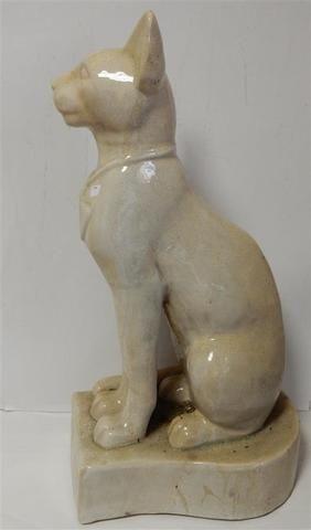 un grand chat égyptien en céramique craquelée, hauteur 71 cm (frais