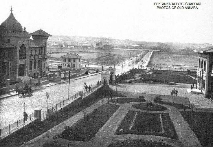 Solda Ankara palas sağda 2.meclis genclik parkının yapılacağı yer batalık içinde....