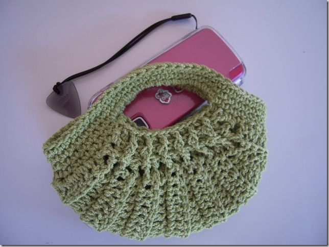 More #crochet purses! I think we know what's hot this season!