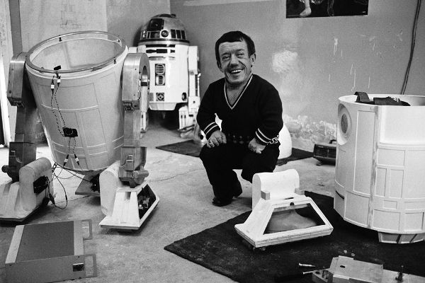 Sad news, 'Star Wars' fans. Kenny Baker, the British actor who brought to life…