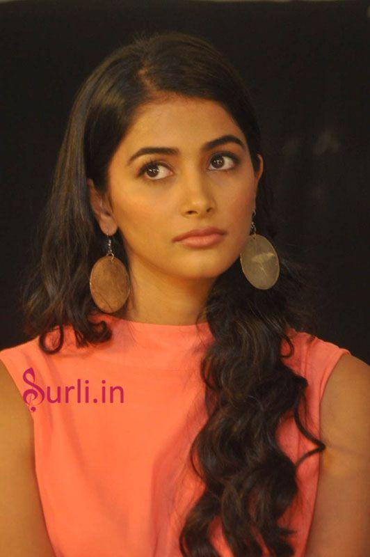 oka laila kosam heroine actress pooja hedge #poojahegde #mukunda #mukundaheroine #mohenjadaro #bollyactress