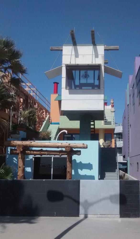 TRANSFER Monograph 01 Desert | Norton House, Venice Beach Frank O.Gehry, 1982-84 | © Cecilia Obiol, 2015
