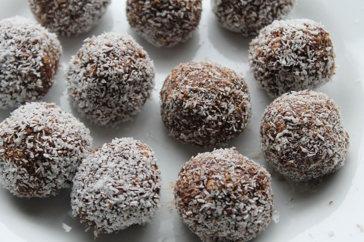 Chia Coconut Protein Balls    Serves 2(10 Balls)  Ingredients 4 Pitted Dates 1 tbsp Almond Butter 1 tbsp Shredded Coconut 1 tsp Chia Seeds  Instructions Place all ingredients in a food processor and mix all up until it well combined. Using wet hands to roll the balls.