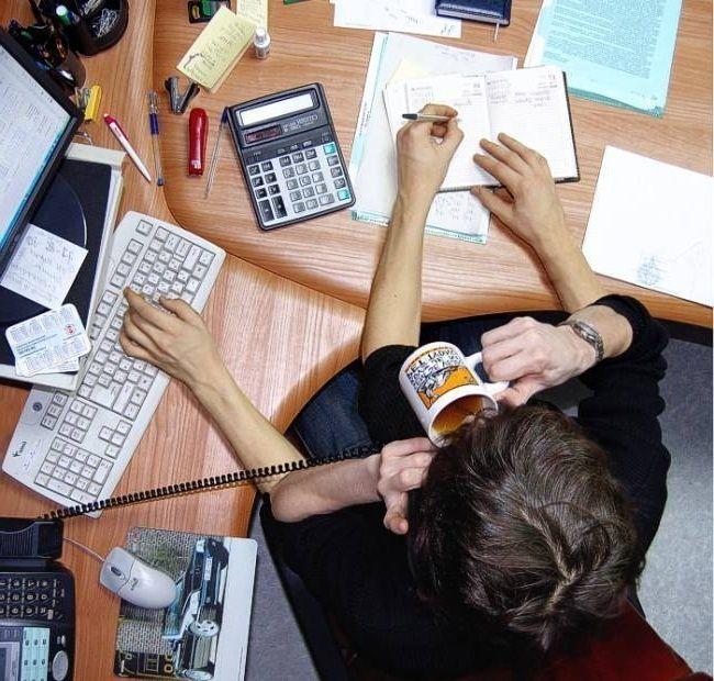 Фриланс – это просто дополнительный заработок в интернете или дело всей жизни? Чтобы ответить на этот вопрос многим нашим коллегам приходится годами разрываться между насиженным офисом и свободным графиком в сети. Окончательный выбор порой сделать очень непр�