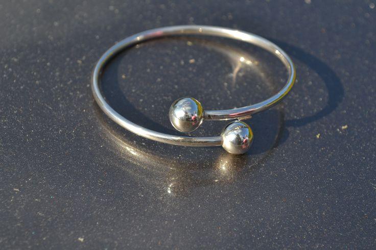 Prachtige zilveren spang armband GRATIS VERZENDING in NL Hier direct bestlelen http://www.dczilverjuwelier.nl/zilveren-armbanden/spang-5001