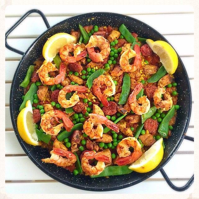 Chicken, chorizo & prawn paella eat healthy foods ^_^