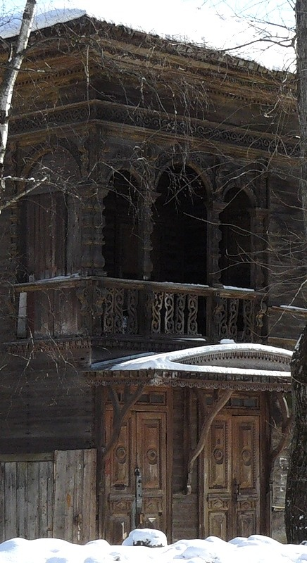 Russian dacha. Temple inspiration. Wauw inspirational - excellent carpentry