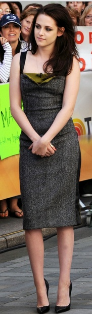 Kristen Stewart - grey Narciso Rodriguez dress