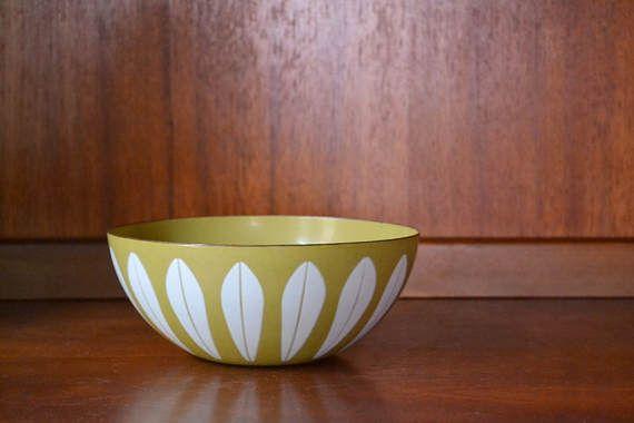 "vintage midcentury modern enamel 7"" #cathrineholm lotus bowl #midcenturymodern #lotusbowl #holm #danishmodern #homedecor #vintage #vintagehome #compostthis #etsy @etsy"
