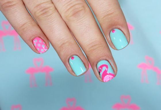 Pink flamingo nailart