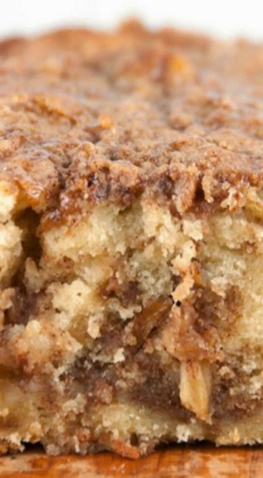 Cinnamon Apple Pie Bread - Forget the pie crust and get all the flavors of fall in a quick and easy bread with brown sugar and cinnamon topping that's as sweet as apple pie....