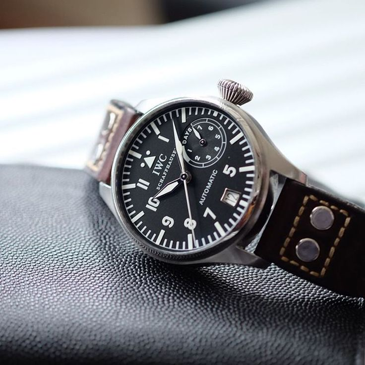 IWC BIG PILOT 5002 Fish Crown and slow beat with a 12 year old strap that still looks great.