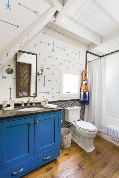 Tiny Tricks To Make Your Bathroom Look Less Cluttered And More Grown Up Best Bathroomsbathrooms Decorbathroom Ideassurface Areathe