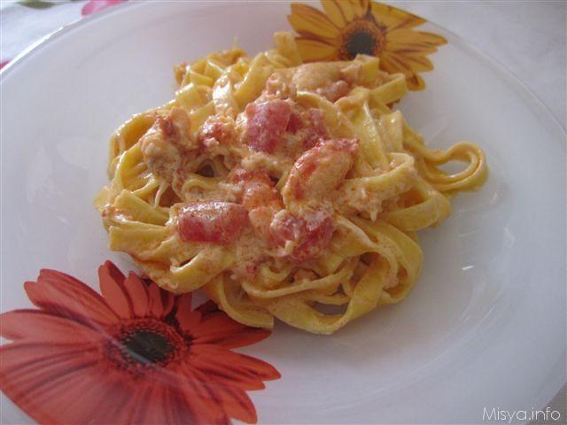 Tagliatelle alla polpa di granchio. Scopri ricetta: http://www.misya.info/2010/06/04/tagliatelle-alla-polpa-di-granchio.htm