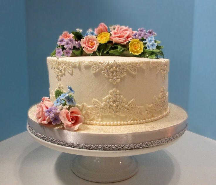 Love This Lace Look Garden Themed Small Wedding Cake