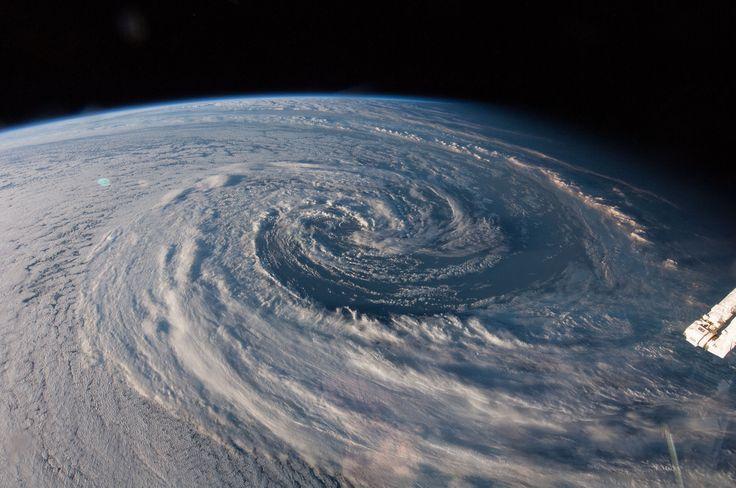 awesome Nasa - Planet Earth seen from space (Full HD 1080p) ORIGINAL #Space #videos #NASA #News Check more at http://sherwoodparkweather.com/nasa-planet-earth-seen-from-space-full-hd-1080p-original-space-videos-nasa-news/