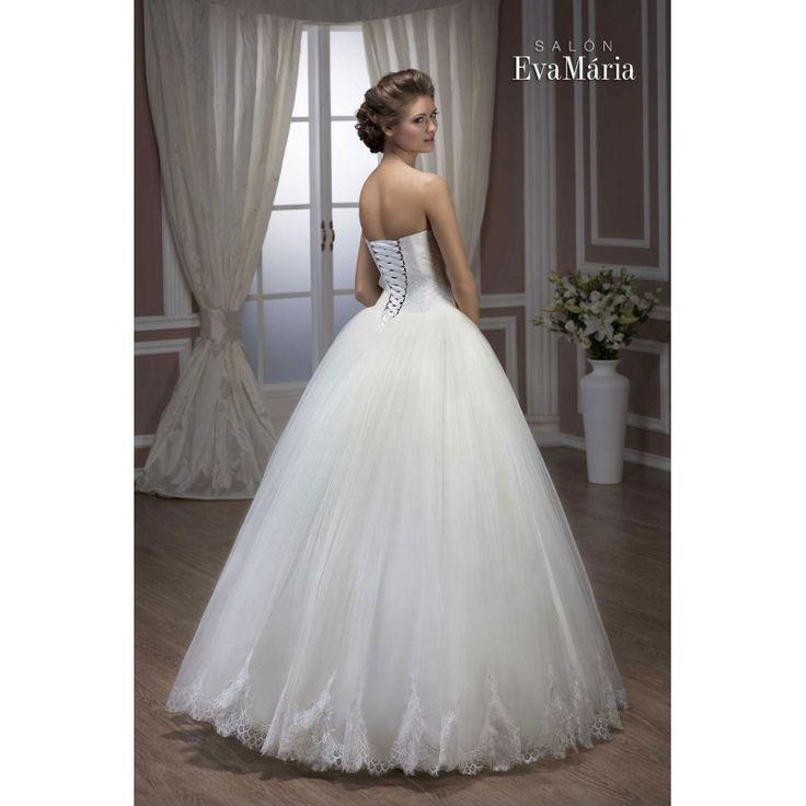 Svadobné šaty s krajkovaným vrškom a širokou sukňou Leila