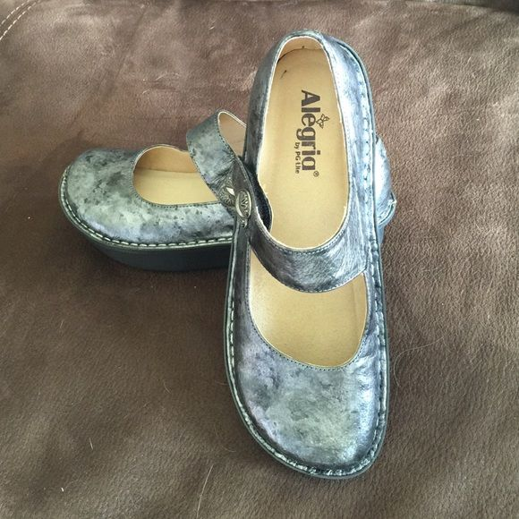 Alegria Paloma. Size 9. Alegria shoes in Paloma style. Color is Pewter Black Tumble, size 9. Only worn a couple of times in excellent condition! Alegria Shoes