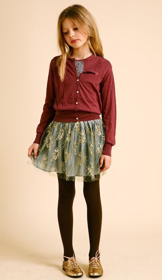 Luna Leggings style: A sweet holiday ensemble that has a touch of glam with metallic-hued shoes! From Minimoda España