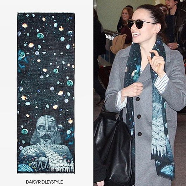 Daisey Ridley wearing Emma J Shipley x Star Wars scarf ⭐️ Star Wars fashion ⭐️ Geek Fashion ⭐️ Star Wars Style ⭐️ Geek Chic ⭐️
