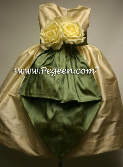 Dress yellow silk rose