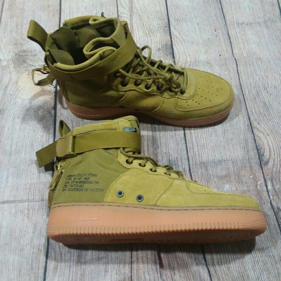 Nike SF Air Force 1 Mid Green Sneakers
