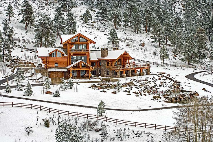 Learn more about this couple's log home built with big logs that add drama to the rugged Colorado setting.