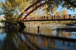 The Boise River Greenbelt is a 25 mile scenic pathway through Boise's riverside parks. #GreenbeltMap #BikingAndHiking