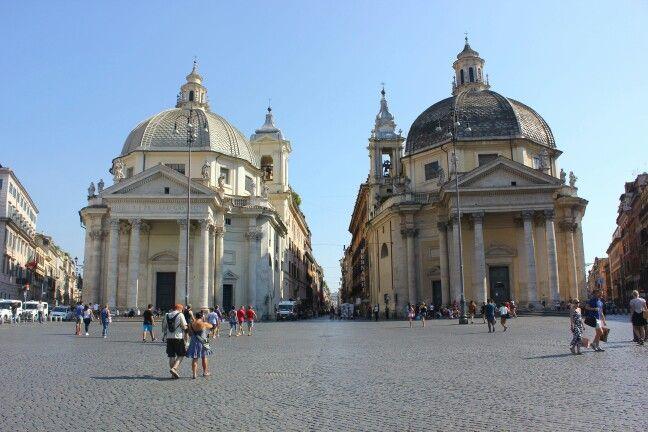 İtaly, Roma, Piazza del Popolo: Santa Maria dei Miracoli & Santa Maria in Montesanto