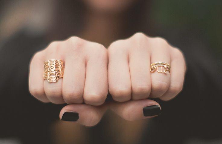 Les bagues Kenzo, des bijoux design, féminins et élégants, qui s'accorderont très facilement avec la plupart de vos tenues !   http://www.squaredesaccessoires.com/279-bijoux-kenzo#/
