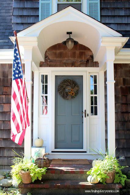 Love Danielle's wreath and autumn front door!
