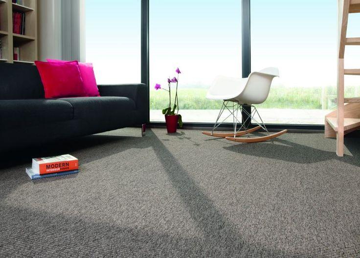 Nature - Dit tapijt is gebaseerd op de Nature Look! Leverbaar in 16 verschillende uitstralingen en kleuren. De Nature is voor zowel indoor als outdoor geschikt! Dit tapijt kan ook vermaakt worden naar maat karpetten.